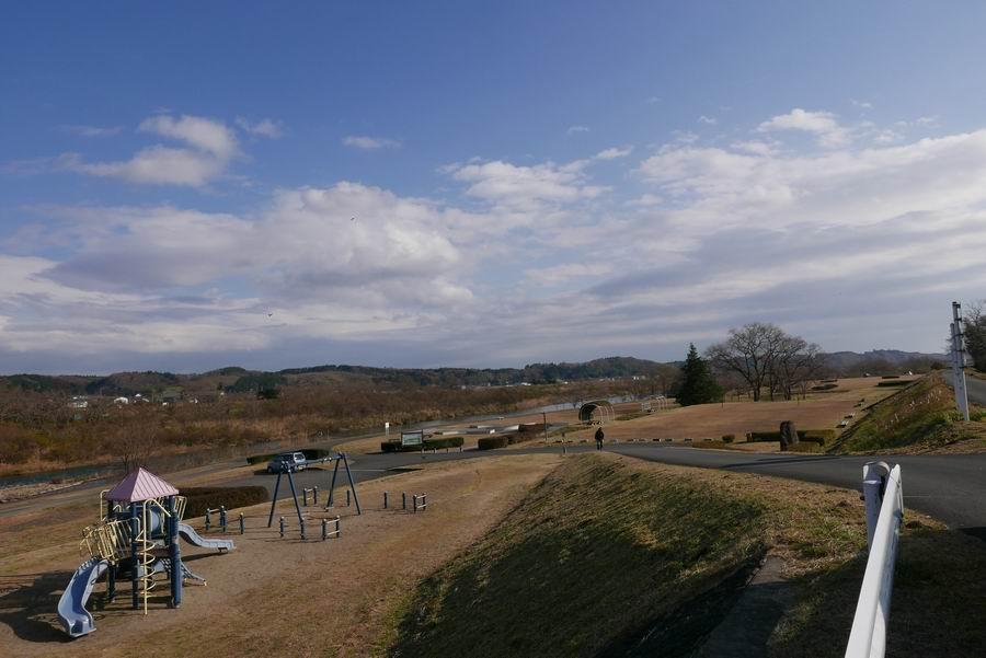 成瀬川河川敷公園全景