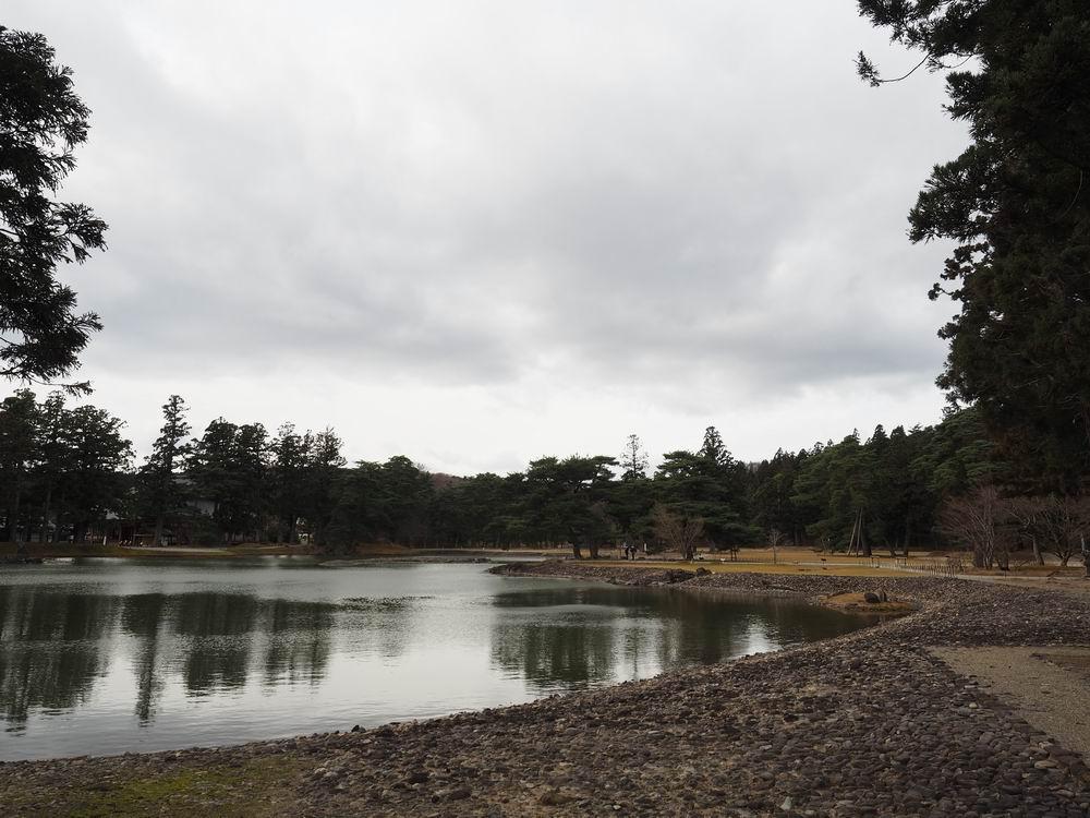 毛越寺浄土庭園の全景写真