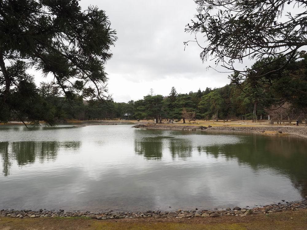 毛越寺庭園の初冬の風景写真