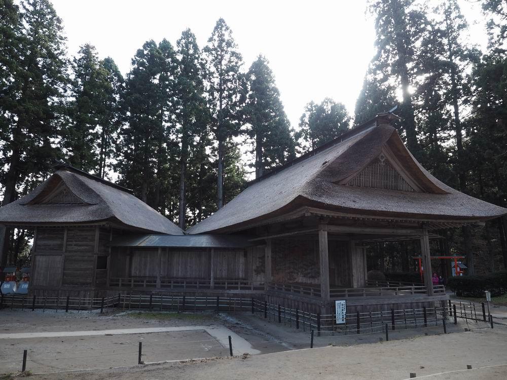 白山神社野外能楽堂の風景