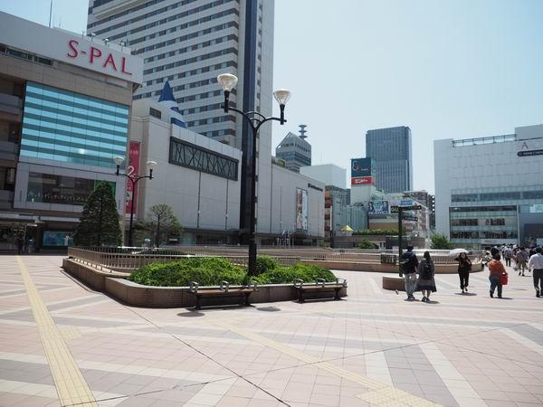 仙台駅待ち合わせ西口SPALの前